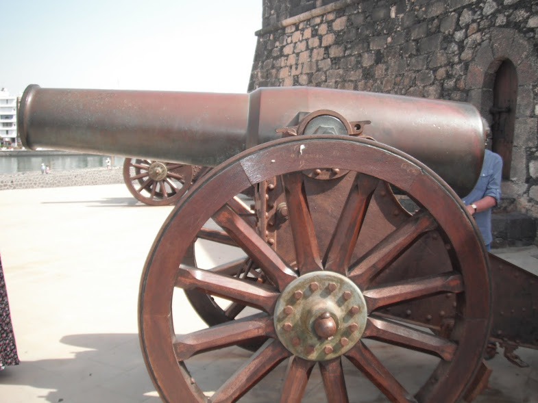 Cannon outside Castillo De San Gabriel Arrecife